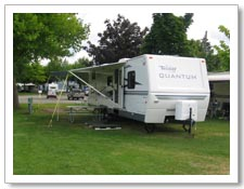 Kelowna RV Trailer and Camper rentals on campground